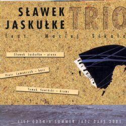 Live Featuring Maciej Sikala
